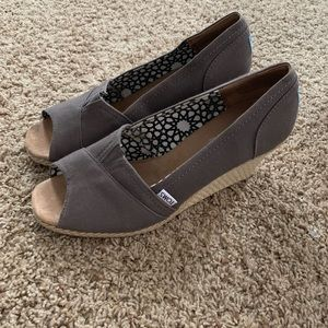 Toms wedges size 11